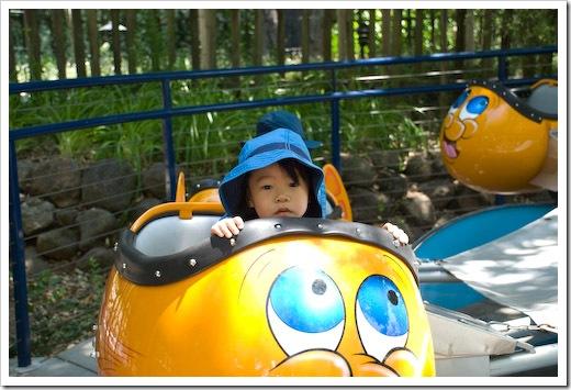 Victoria rides goldfish at Gilroy Gardens